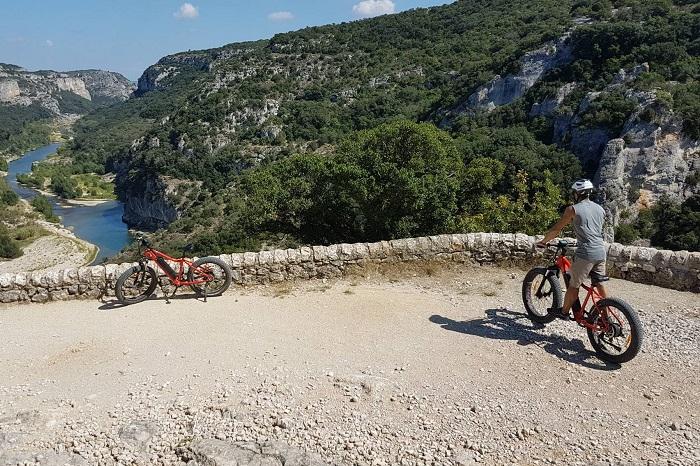 Le Fat Bike électrique, un vélo passe-partout