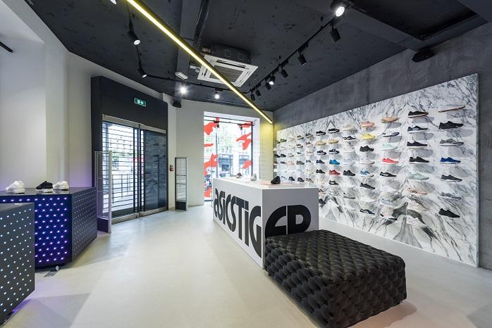 asics flagship store paris. Black Bedroom Furniture Sets. Home Design Ideas