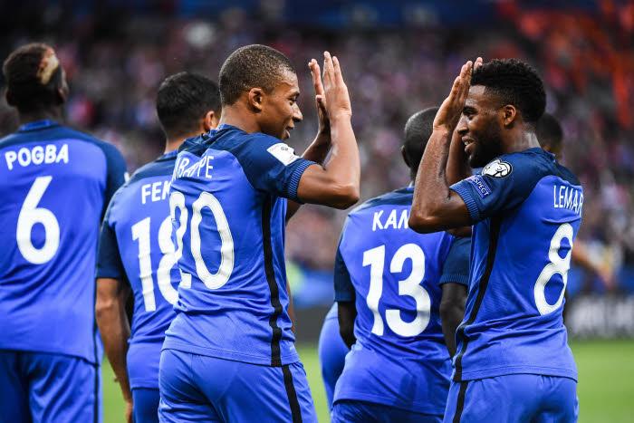 Mbappé titulaire côté droit — France-Luxembourg