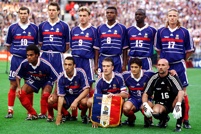 France 98 vs fifa 98 un match de l gende l 39 u arena - Joueur coupe du monde 98 ...