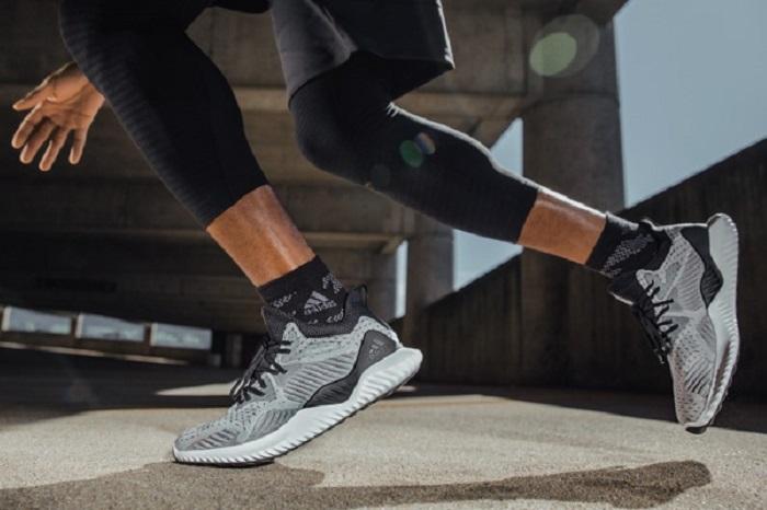 Beyond Dévoile Chaussure La Alphabounce Adidas KJl1cF