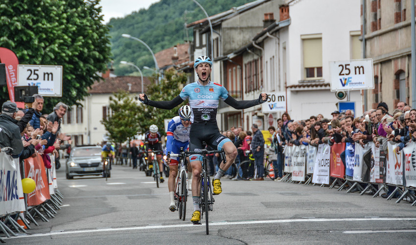 Calendrier Course Cycliste Professionnel 2020.Deux Espoirs Du Cyclisme Francais Signent A Arkea Samsic